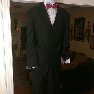 Vanetti mens black suit.